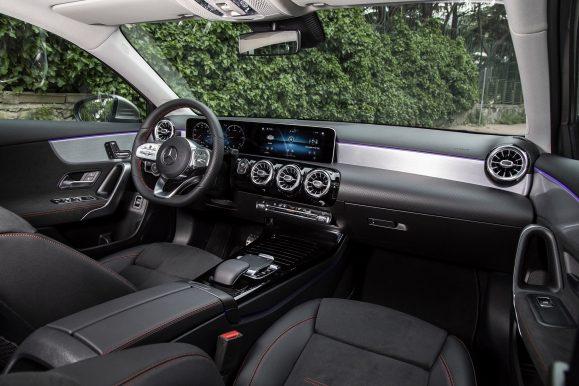 Yeni Mercedes-Benz A-Serisi Sedan içi A Hatchback ile aynı.