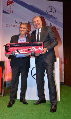 Mercedes-Benz Türk & Türkiye Futbol Federasyonu İmza Töreni_3
