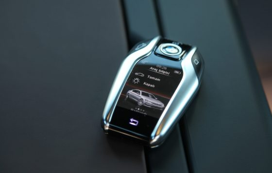 BMW 530iBMW 530i anahtarı da kendi gibi tasarım harikası